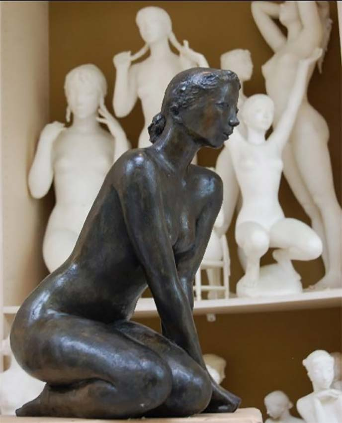 Jacques Coquillay Sculpture bronze, Nymphe assise, hauteur 60 cm© photo APEVDC