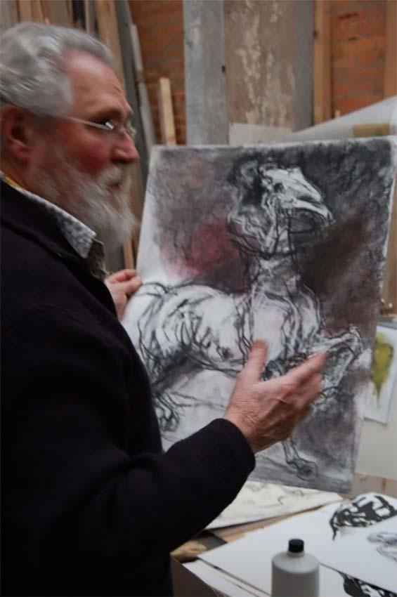 Jean Louis Sauvat dans son atelier  © photo APEVDC